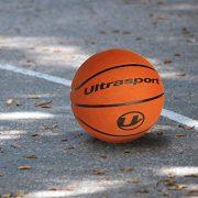 Ultrasport-Ballon-de-basket-pour-enfant-format-rduit-5-avec-70-cm-de-circonfrence-ballon-souple-avec-surface-prhensible-ballon-de-basket-orange-pour-lintrieur-et-lextrieur-0-1